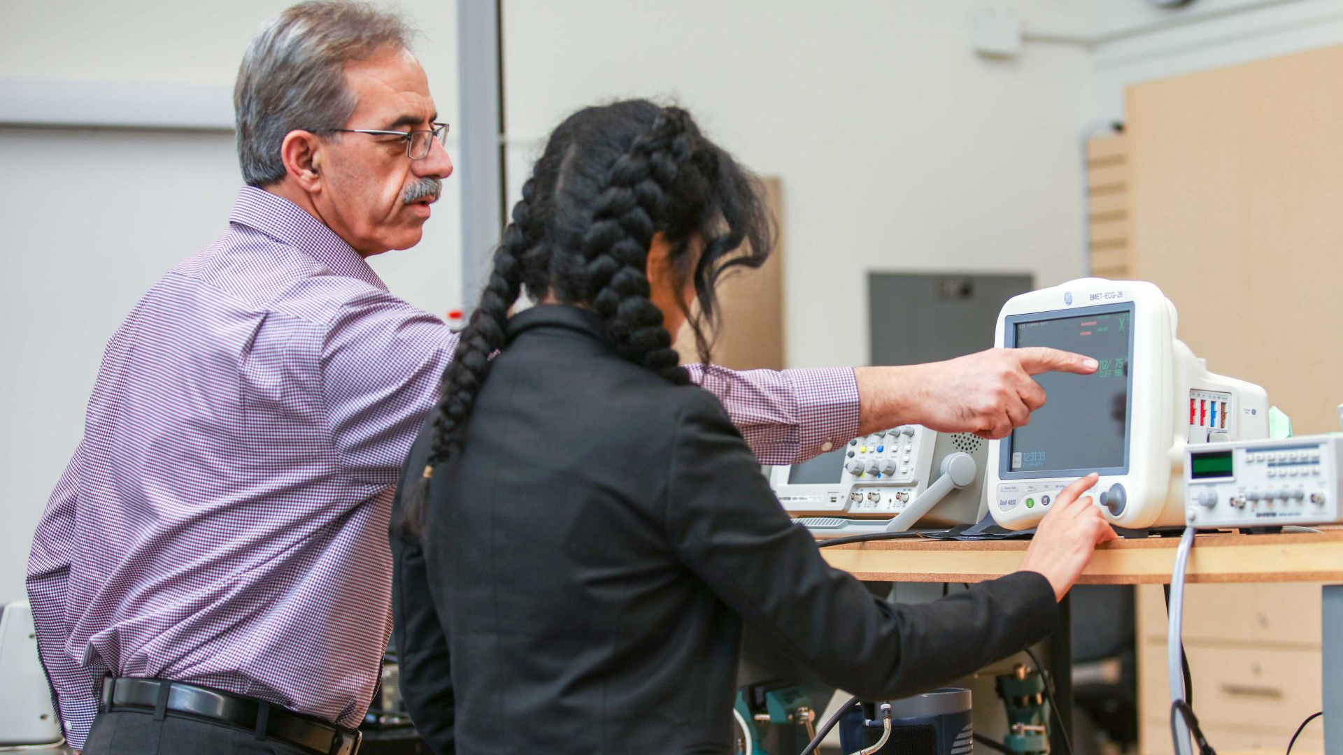 Prof. Khalaf teaching in the HCTM program
